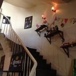 EMPORIO cafe&dining - 1階から2階に上がるらせん階段