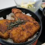 赤城湖畔荘 - 料理写真:ソースかつ丼