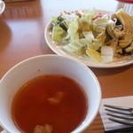 カフェ・スコーラ - スープ・サラダ