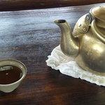 忠太郎茶屋 - 大きなやかんには冷たいお茶
