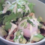 オブライトカフェ - アボカドと豚肉の照り焼き丼500円