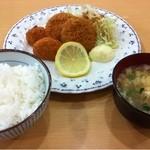 キッチンメル - メンチコロッケ定食(500円)