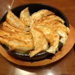 17298705 - 博多名物 鉄鍋餃子