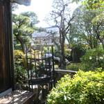カフェ・レスパス - 日本庭園がとってもス・テ・キ!