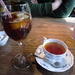カフェ・レスパス - ホットティーとアイスティー