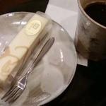 17305903 - ま呂りとコーヒー