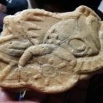 大判焼くまくら - 料理写真:金魚台輪焼(右)