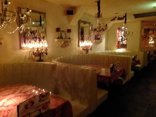 アートレストラン キリストン バー - (ノ*^▽^*)ノ 2階の店内です~♪広々~オシャレ♪