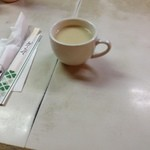 亜樹 - 亜樹の日替りランチのスープと最初のセッティング(13.01)