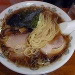 らーめん天和 - 自家製麺 つるんとした食感のストレート麺