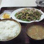栄楽 - チンジャオロース定食