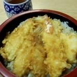 天ぷら 天万 - 天丼700円