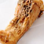 居酒屋 味楽 - 巨大魚石なぎ(35Kg) あらの唐揚げ[520円] 室戸で獲れた石なぎの唐揚げ。通常のお店では食べられない土佐の魚を食べられるのも、味楽ならでは。
