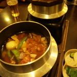 17315465 - 釜飯は卓上で炊きます