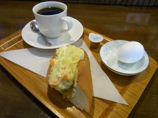 カフェ&バー エムジェー - ポテトドッグ・玉子のセット