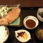 季りとおし - とんかつ定食(日替わり)
