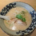 麪家ひばり - 料理写真:塩とんこつ