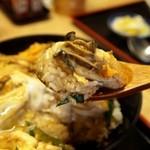 そば処 まる栄 - 広しま丼(冬季限定) 食べる