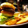 WOOOM - 料理写真:当店自慢の手作りハンバーガー。フライドポテトセット。
