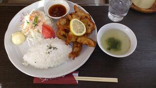 焼肉と料理シルクロード - 若鳥ザンギプレート¥700