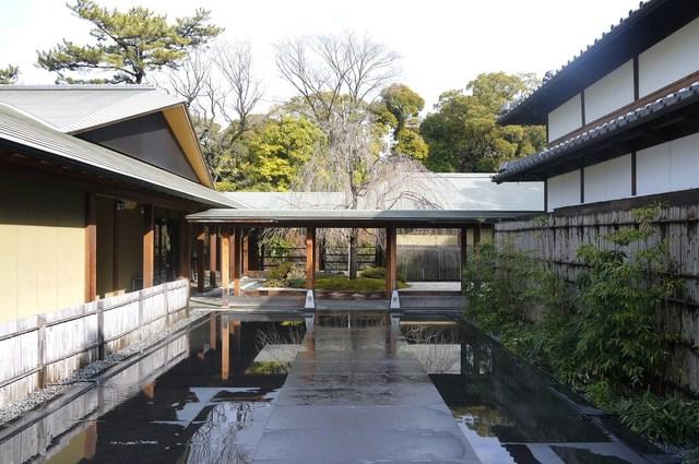蘇山荘 - ここを通り中に入ります♪