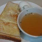 17337147 - トースト、玉子、スープ:60円