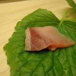 鮨 生粋 - ブリは辛味大根で