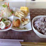 1734590 - ハンバーグランチ(2) 前菜6種と五穀米