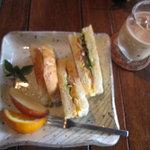 つろぎ - エッグ(玄米)トーストサンド 620円