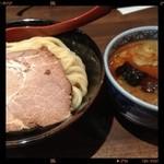 17340120 - 辛つけ麺 中(300g)+チャーシュー 850円