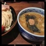 17340152 - つけ麺 大(400g)+チャーシュー 800円