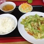 さんさん食堂 - 料理写真:肉きゃべつ味噌炒め定食(L)750円