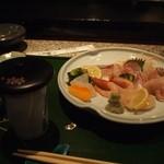 おっさん寿司 - 料理写真:お造り盛り合わせ & ひれ酒