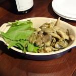 17355594 - ツブ貝とじゃが芋のエスカルゴバター800円
