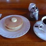 市松 - ホットケーキ(380円)+ブレンドコーヒー(380円)