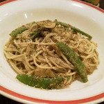 タンティ - 私が頼んだバジルソースのスパゲッティです。トッピングされたさやいんげんとジャガイモがよく合います★
