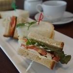 ノイモンドオーガニックカフェ - サンドイッチセット