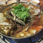 韓国家庭料理 トマト - 海鮮鍋(中/\2,600-)