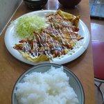 やまもと 吉 - 鉄板メニュー お昼の茶美豚のとん平定食 500円!