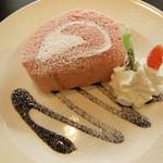 17378147 - 苺のロールケーキ