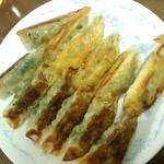 ぎょうざ太郎 - シソ餃子、チーズ餃子