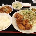 順順餃子房 -  鶏もも唐揚げセット(580円)