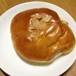 シープ・シープ - 料理写真:クリームパン