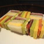 インペリアルラウンジ アクア - 特製のサンドイッチ