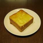 上島珈琲店 - 厚切りバタートーストです。