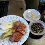 松福園 - 1000円コースの中落ちカルビ、野菜