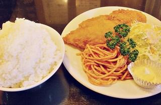 レストラン喫茶 タクト - 白身魚フライ定食(並) 780円 (^^b  これだけでもスゴス;;