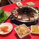 韓の心 - サムギョプサル