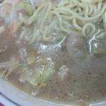 九州ラーメン 六五六 三国ヶ丘店 - スープ