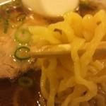 17409476 - 手打ちの平打ちちぢれ麺がいいですね^^;